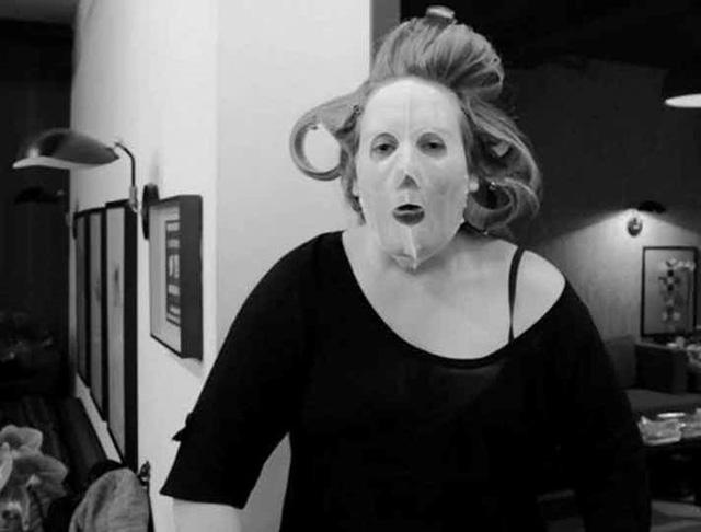 Những khoảnh khắc xấu hổ nhất của Adele mỗi khi nhìn lại - Ảnh 10.