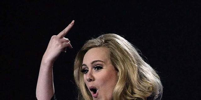 Những khoảnh khắc xấu hổ nhất của Adele mỗi khi nhìn lại - Ảnh 6.