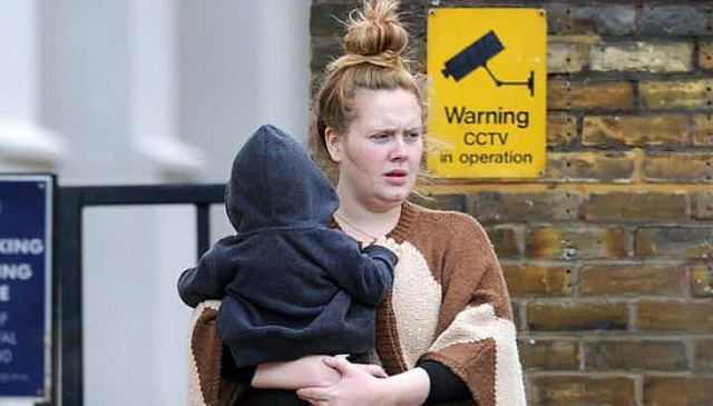 Những khoảnh khắc xấu hổ nhất của Adele mỗi khi nhìn lại - Ảnh 9.