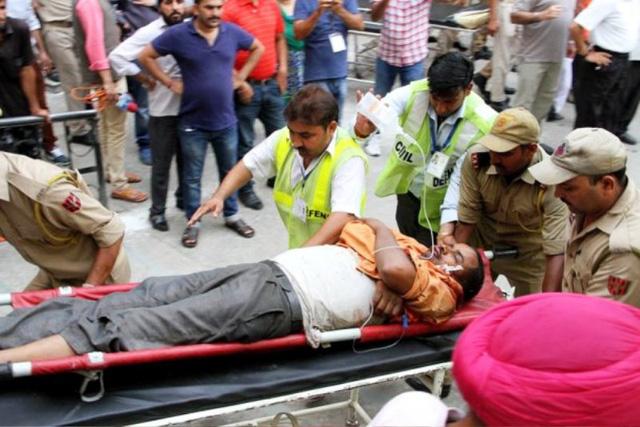 Tai nạn xe bus ở Ấn Độ, ít nhất 46 người thương vong - ảnh 6