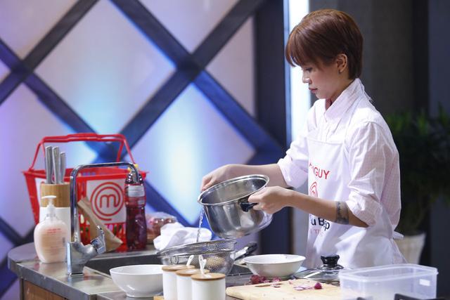 Vua đầu bếp: An Nguy, Thu Hằng mất cơ hội tranh tài ở Chung kết - Ảnh 2.