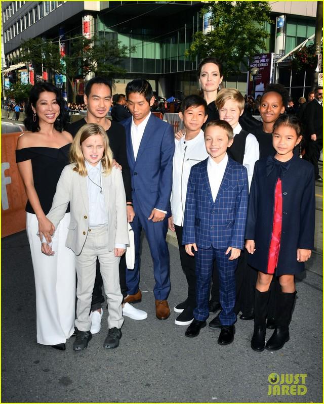 Con trai người Việt của Angelina Jolie lớn bất ngờ - Ảnh 2.