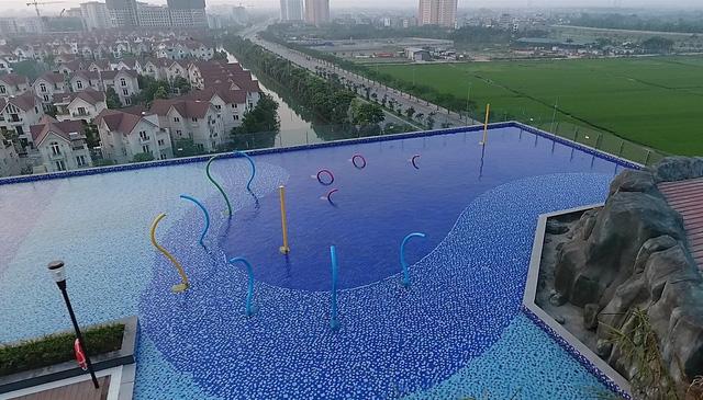 """Bể bơi vô cực trên không - Tiện ích sống """"độc nhất vô nhị"""" tại Vinhomes Riverside - Ảnh 3."""