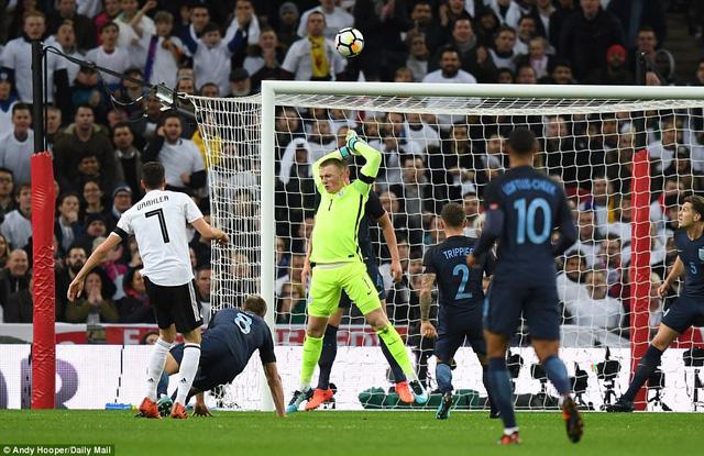 Kết quả bóng đá sáng 11/11: Thua Thụy Điển, Italia có nguy cơ ngồi nhà xem World Cup - Ảnh 6.