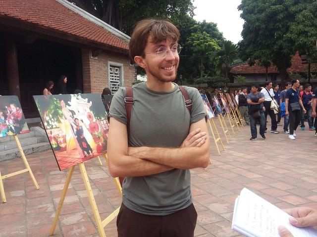 Triển lãm ảnh Thu Vọng Nguyệt thu hút khách du lịch nước ngoài - Ảnh 3.