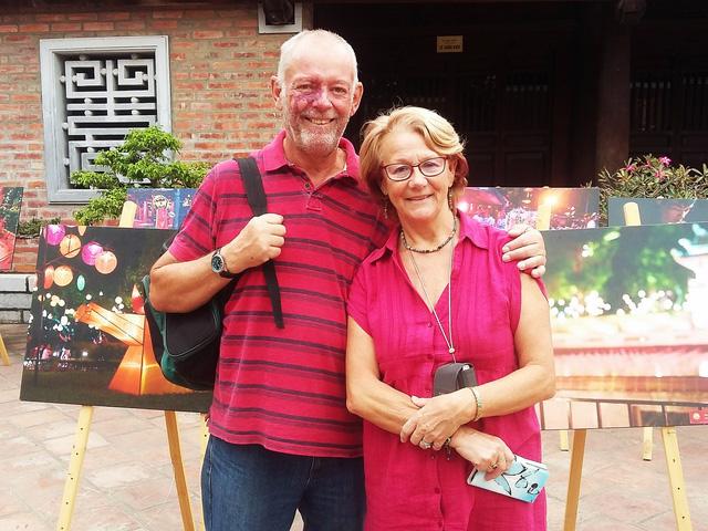 Triển lãm ảnh Thu Vọng Nguyệt thu hút khách du lịch nước ngoài - Ảnh 5.