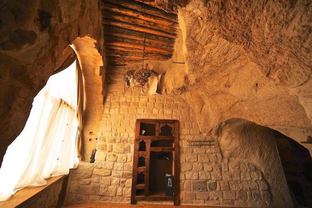 Những khách sạn hang đá độc đáo ở Thổ Nhĩ Kỳ - Ảnh 2.