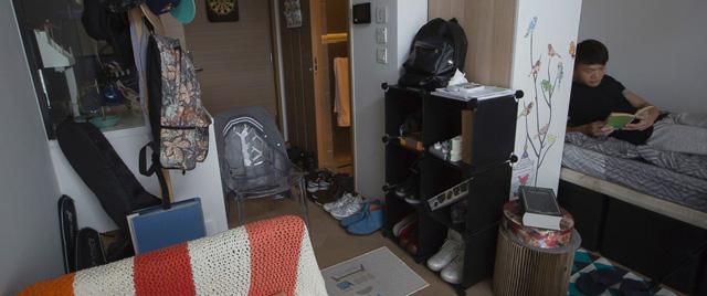 Giá nhà cao kỷ lục, Hong Kong (Trung Quốc) bùng nổ xu hướng căn hộ siêu nhỏ - Ảnh 1.
