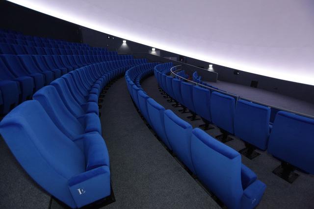 Ấn tượng rạp chiếu phim hình ngọc trai khổng lồ - Ảnh 7.