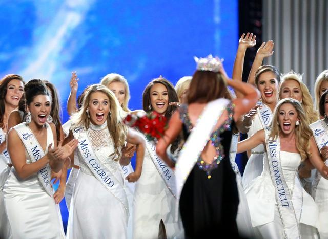 Nhan sắc cô gái 23 tuổi đăng quang Hoa hậu Mỹ 2018 - Ảnh 5.