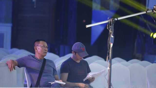 Nhà báo Lại Văn Sâm trở lại sân khấu Sao Mai sau 20 năm - Ảnh 1.