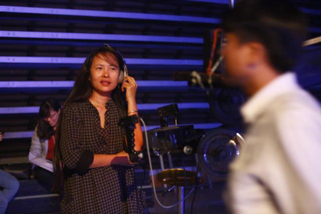 Hé lộ hình ảnh không có trên sóng của Ấn tượng Khoa học-Công nghệ Việt Nam 2017 - ảnh 7
