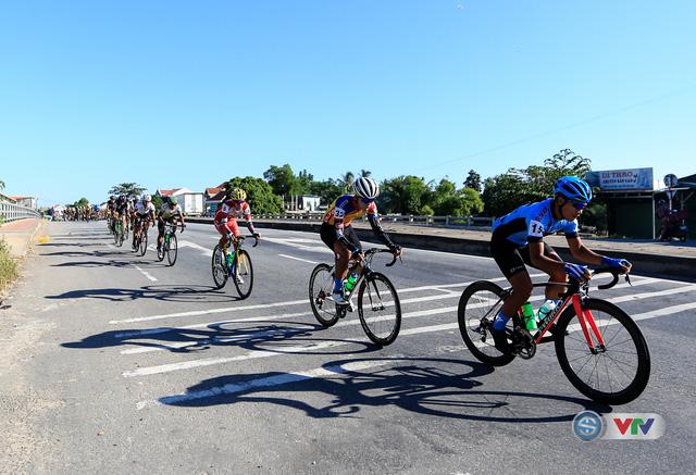 ẢNH: Những khoảnh khắc ấn tượng chặng 7 Giải xe đạp quốc tế VTV Cúp Tôn Hoa Sen 2017, Huế đi Quảng Nam - Ảnh 2.