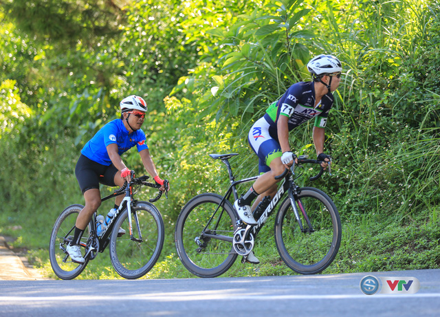 ẢNH: Những khoảnh khắc ấn tượng chặng 7 Giải xe đạp quốc tế VTV Cúp Tôn Hoa Sen 2017, Huế đi Quảng Nam - Ảnh 4.