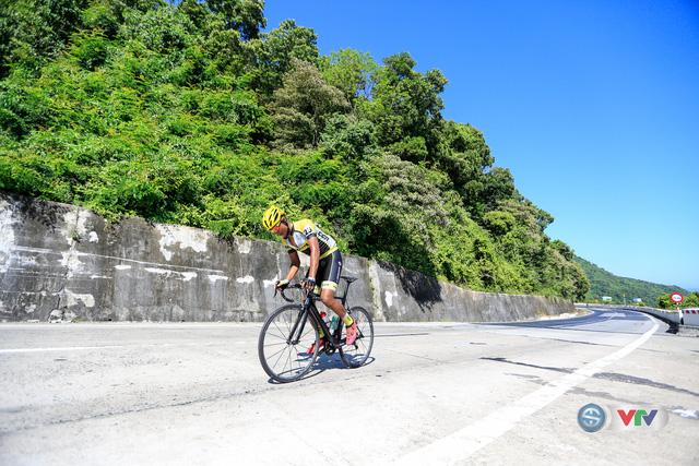 ẢNH: Những khoảnh khắc ấn tượng chặng 7 Giải xe đạp quốc tế VTV Cúp Tôn Hoa Sen 2017, Huế đi Quảng Nam - Ảnh 9.