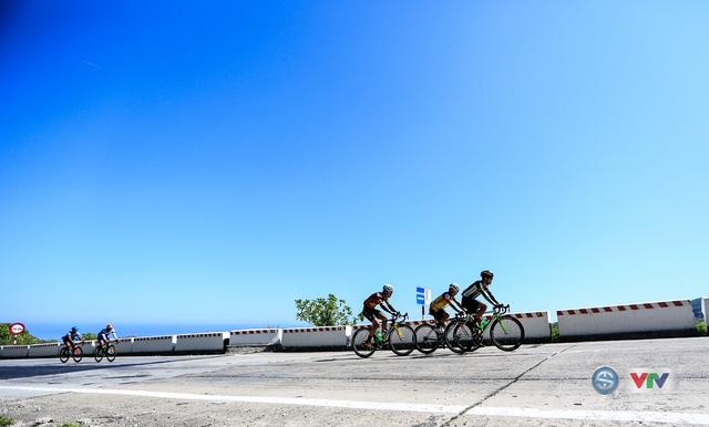 ẢNH: Những khoảnh khắc ấn tượng chặng 7 Giải xe đạp quốc tế VTV Cúp Tôn Hoa Sen 2017, Huế đi Quảng Nam - Ảnh 10.