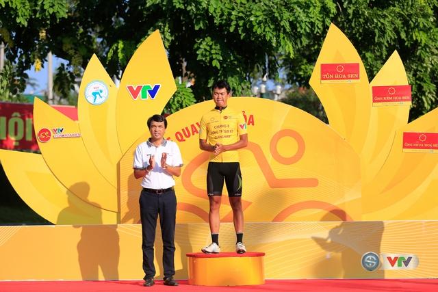 ẢNH: Những khoảnh khắc ấn tượng chặng 9 Giải xe đạp quốc tế VTV Cúp Tôn Hoa Sen 2017 - Ảnh 1.