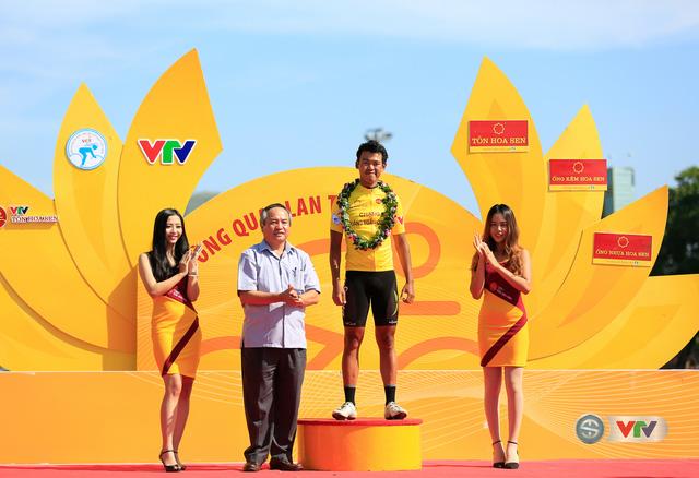 ẢNH: Những khoảnh khắc ấn tượng chặng 10 Giải xe đạp quốc tế VTV Cúp Tôn Hoa Sen 2017 - Ảnh 5.