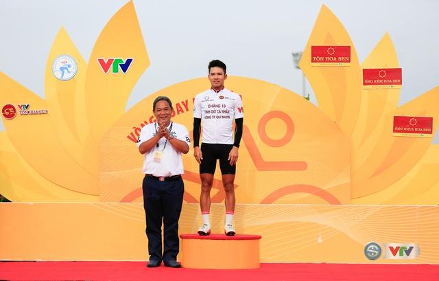 ẢNH: Những khoảnh khắc ấn tượng chặng 11 Giải xe đạp quốc tế VTV Cúp Tôn Hoa Sen 2017 - Ảnh 3.
