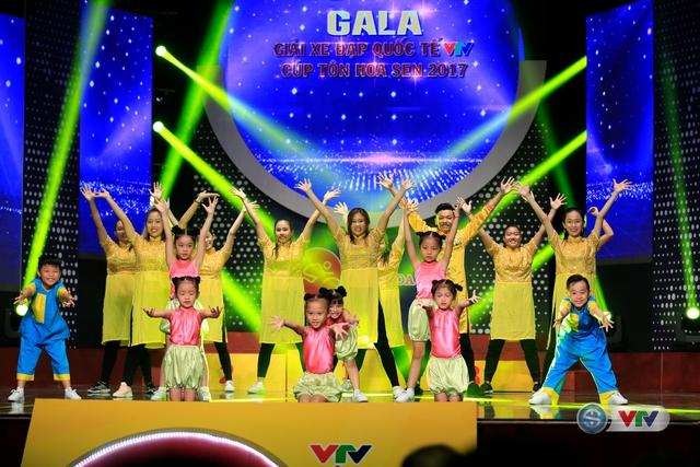 ẢNH: Những khoảnh khắc ấn tượng trong Gala giải xe đạp quốc tế VTV Cúp Tôn Hoa Sen 2017 - Ảnh 2.