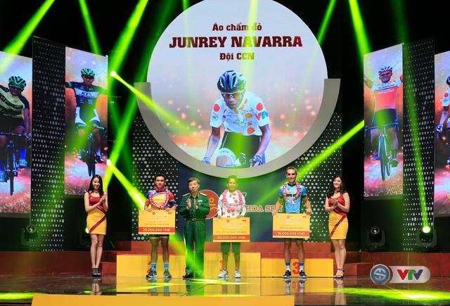 ẢNH: Những khoảnh khắc ấn tượng trong Gala giải xe đạp quốc tế VTV Cúp Tôn Hoa Sen 2017 - Ảnh 9.
