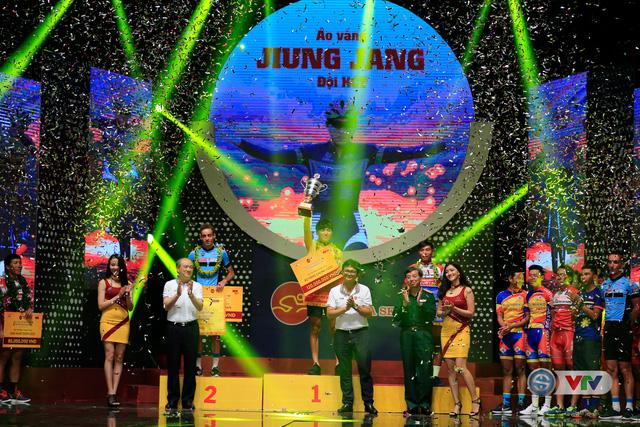 ẢNH: Những khoảnh khắc ấn tượng trong Gala giải xe đạp quốc tế VTV Cúp Tôn Hoa Sen 2017 - Ảnh 12.
