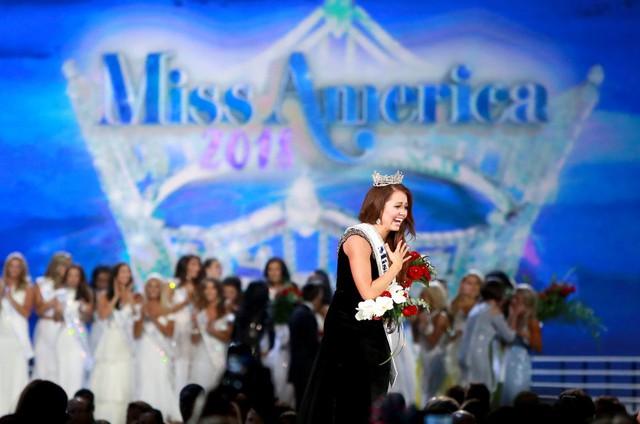 Nhan sắc cô gái 23 tuổi đăng quang Hoa hậu Mỹ 2018 - Ảnh 4.