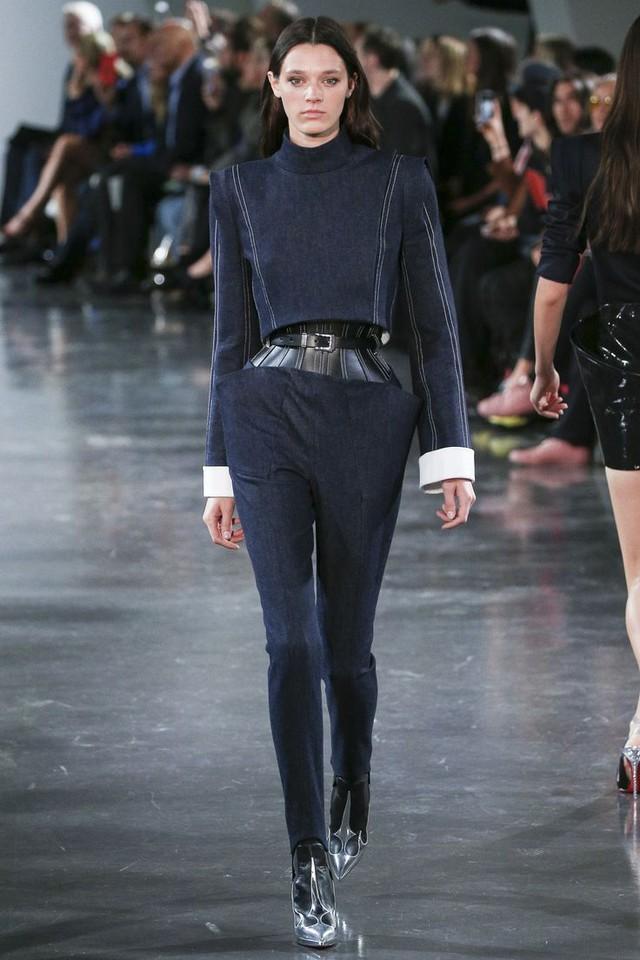Thí sinh vồ ếch năm nào của Americas Next Top Model nay đầy quyến rũ ở Tuần lễ thời trang - Ảnh 12.