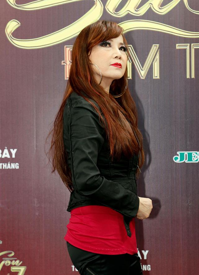 Sài Gòn đêm thứ 7: Phương Vy nổi bật với đầm ren ngọt ngào - Ảnh 3.