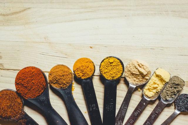 Những loại thực phẩm ăn nhiều khiến cơ thể bạn ám mùi - Ảnh 3.