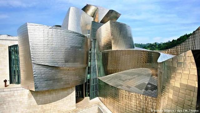 Bảo tàng Bilbao với thiết kế ấn tượng tại Tây Ban Nha - Ảnh 5.