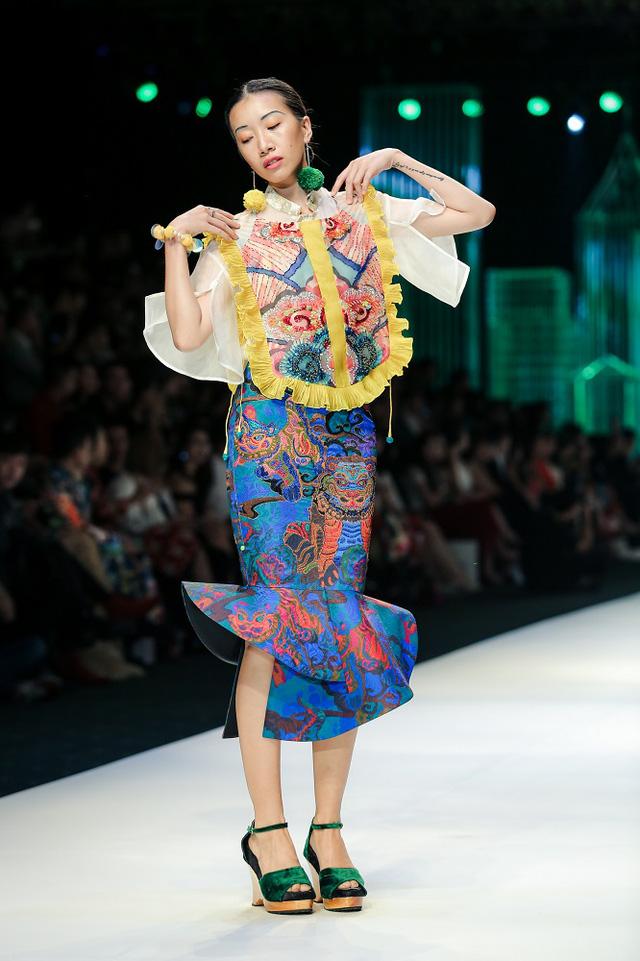Mộng mị với NTK Thủy Nguyễn trên sàn catwalk Tuần lễ thời trang quốc tế Việt Nam Xuân - Hè 2017 - Ảnh 10.