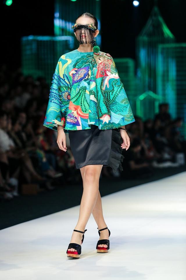 Mộng mị với NTK Thủy Nguyễn trên sàn catwalk Tuần lễ thời trang quốc tế Việt Nam Xuân - Hè 2017 - Ảnh 11.