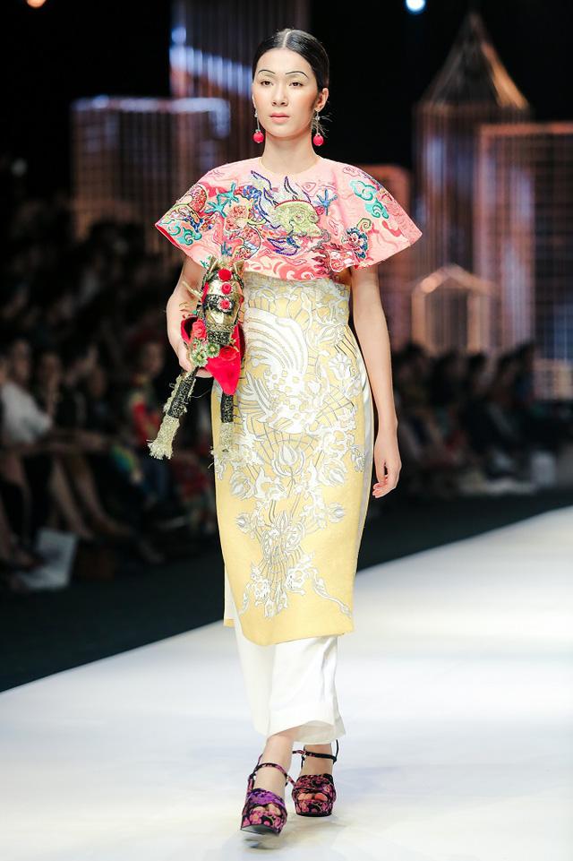 Mộng mị với NTK Thủy Nguyễn trên sàn catwalk Tuần lễ thời trang quốc tế Việt Nam Xuân - Hè 2017 - Ảnh 16.