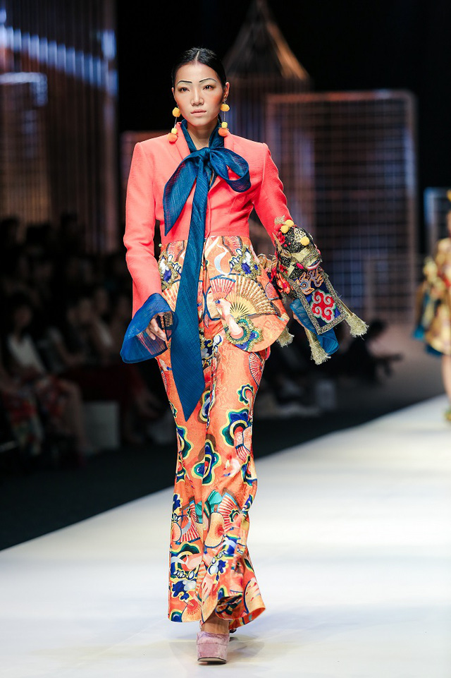 Mộng mị với NTK Thủy Nguyễn trên sàn catwalk Tuần lễ thời trang quốc tế Việt Nam Xuân - Hè 2017 - Ảnh 18.