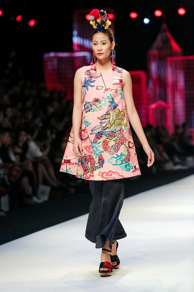 Mộng mị với NTK Thủy Nguyễn trên sàn catwalk Tuần lễ thời trang quốc tế Việt Nam Xuân - Hè 2017 - Ảnh 19.