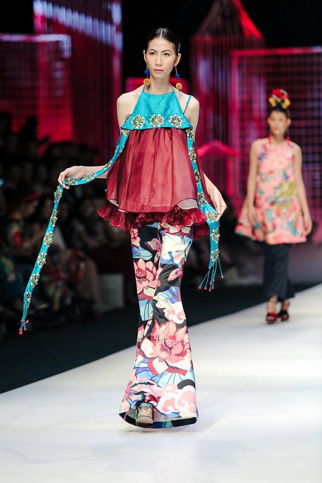 Mộng mị với NTK Thủy Nguyễn trên sàn catwalk Tuần lễ thời trang quốc tế Việt Nam Xuân - Hè 2017 - Ảnh 20.