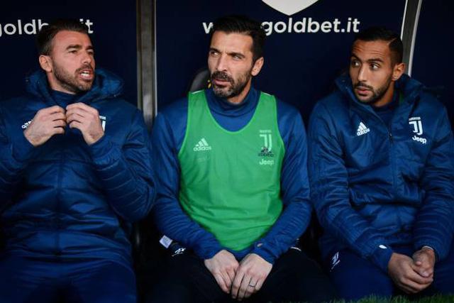 Italy, Hà Lan, Chile thắp lại hi vọng dự World Cup 2018 - Ảnh 1.