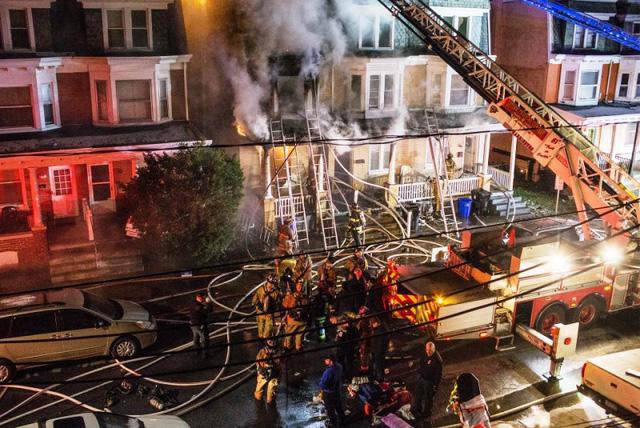 Mỹ: 3 trẻ thương vong vì ván trượt điện gây hỏa hoạn - Ảnh 2.