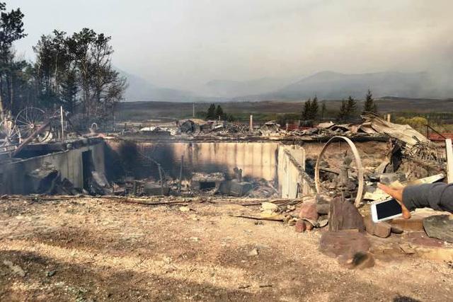 Cháy rừng bùng phát dữ dội ở Canada - Ảnh 4.