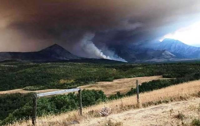 Cháy rừng bùng phát dữ dội ở Canada - Ảnh 7.