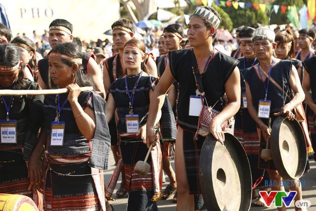 Những hình ảnh đậm sắc văn hóa Tây Nguyên tại Lễ hội đường phố Buôn Ma Thuột 2017 - Ảnh 11.