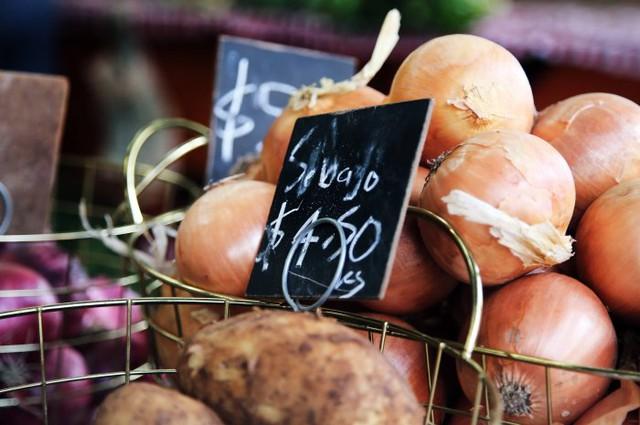 Những loại thực phẩm ăn nhiều khiến cơ thể bạn ám mùi - Ảnh 8.