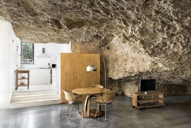 Độc đáo căn nhà hang ở khe núi tại Tây Ban Nha - Ảnh 6.