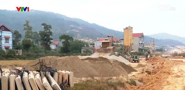 Thiếu nguyên liệu cát xây dựng ở các tỉnh miền Bắc - Ảnh 1.