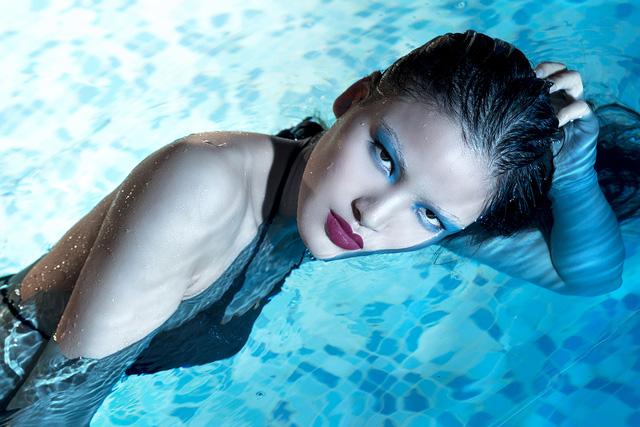 Top 5 Vietnams Next Top Model 2017 bất ngờ hóa mỹ nhân ngư - Ảnh 3.