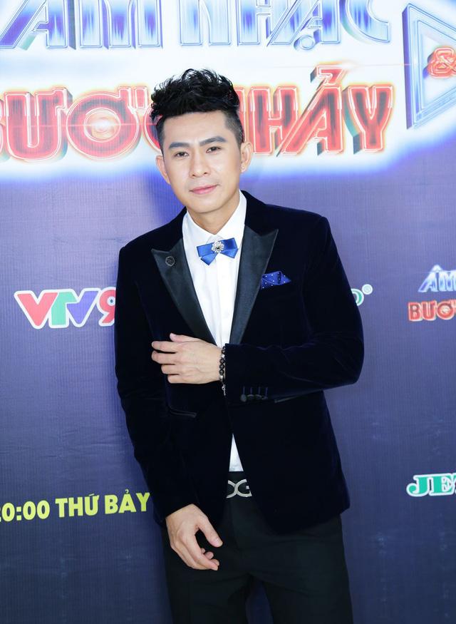 Âm nhạc và Bước nhảy: Thanh Duy Idol tạo dáng bá đạo như mỹ nhân Hàn Quốc - Ảnh 7.