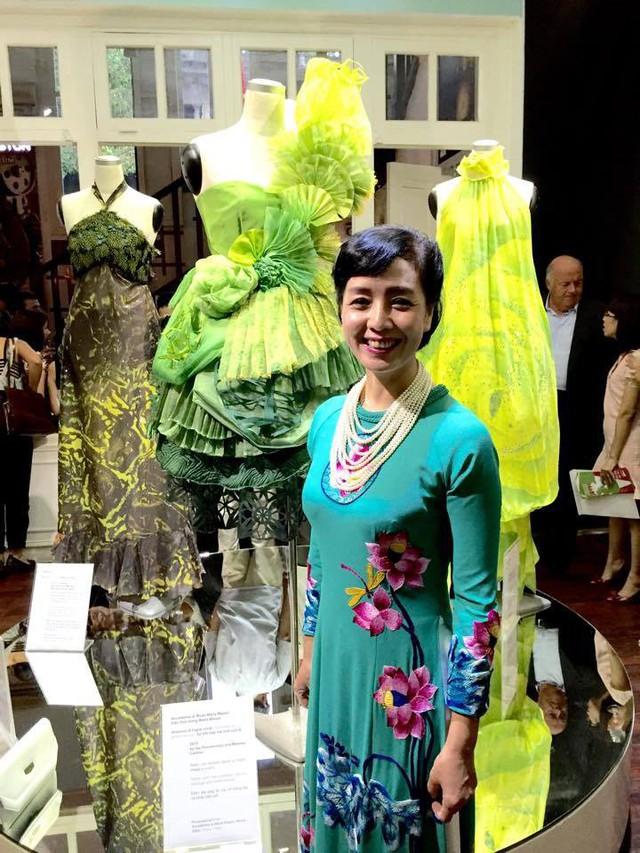 NSƯT Chiều Xuân tiết lộ lý do thích diện áo dài trong các sự kiện lớn - Ảnh 6.