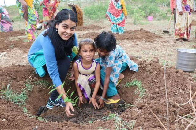 Choáng với màn trồng 66 triệu cây xanh trong nửa ngày ở Ấn Độ - Ảnh 1.