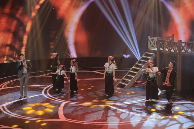 Giai điệu tự hào: Đinh Mạnh Ninh nồng nàn với Chín bậc tình yêu - Ảnh 1.